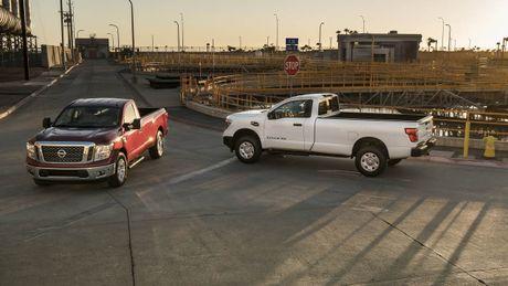Nissan chinh thuc chot gia Titan Single Cab 2017 - Anh 1