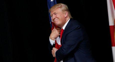 He lo muc luong kho tin Donald Trump se nhan khi vao Nha Trang - Anh 1