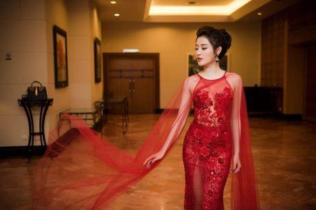 Hoa hau Do My Linh dung vay ao voi loat sao Viet - Anh 5