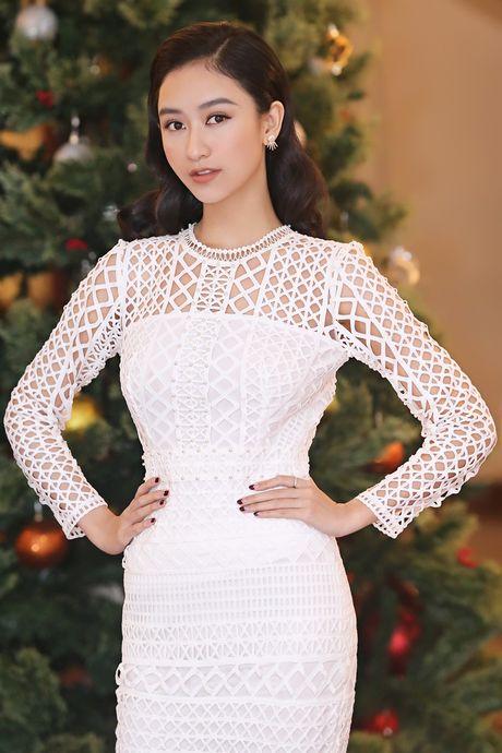 HH Huong Giang tai xuat rang ro sau sinh con thu hai - Anh 6