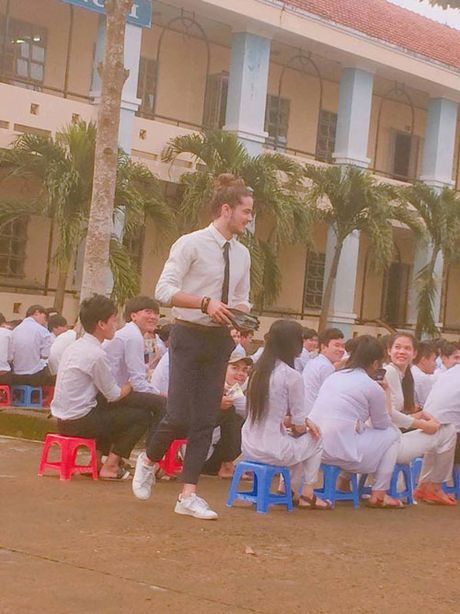 Anh doi thuong cua my nam nguoi Phap dang gay sot o VN - Anh 1