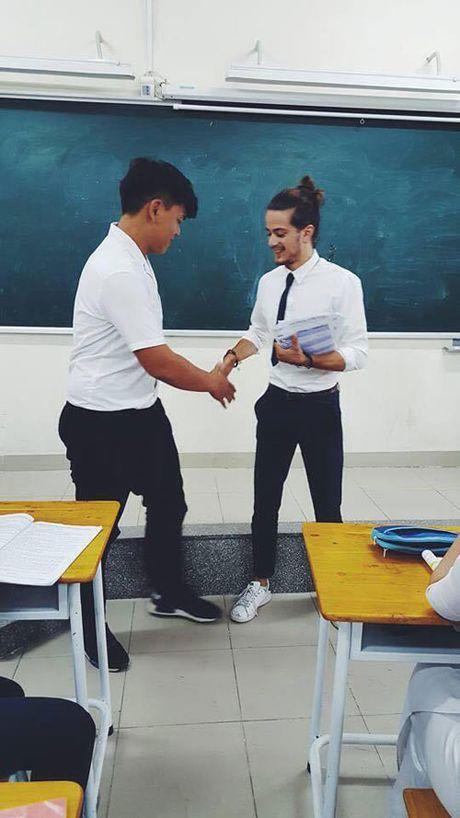 Anh doi thuong cua my nam nguoi Phap dang gay sot o VN - Anh 3