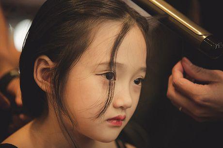 Ve dep hut hon cua em be 7 tuoi co biet danh la 'tieu Chau Tan' - Anh 8