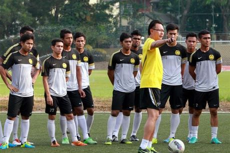 HLV Malaysia: CDV ngung chi trich, de ket qua phan xet - Anh 1