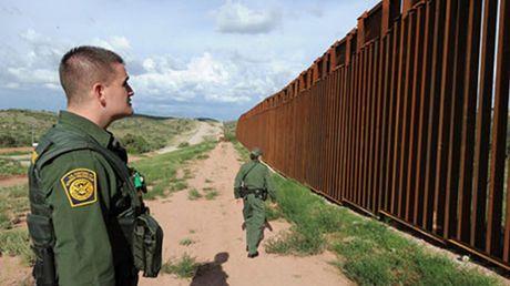 Ong Trump mem deo hon ve buc tuong bien gioi voi Mexico - Anh 1