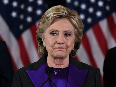 Ba Clinton do loi that bai cho FBI va sau chuyen ba 'khoc nhu mua' - Anh 1