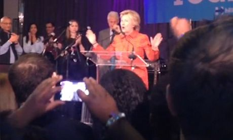 Ba Clinton do loi that bai cho FBI va sau chuyen ba 'khoc nhu mua' - Anh 2