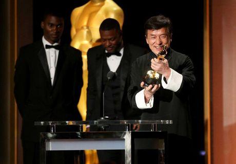 Thanh Long man nguyen nhan tuong vang Oscar o tuoi 62 - Anh 1