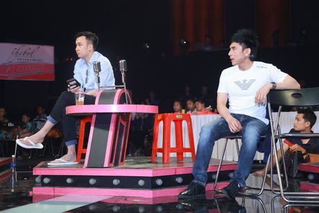 Dan Truong, Cam Ly miet mai tap luyen cung hoc tro - Anh 1