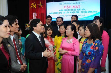 Bo truong Bo Giao duc trai long cung thay co noi dau song - Anh 2