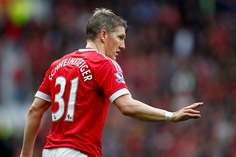 10 ngoi sao Premier League can ra di de cuu van su nghiep - Anh 2