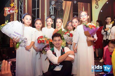 Van Hugo vua lam MC vua cham con sau canh ga - Anh 5