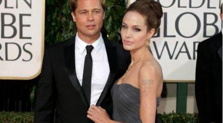 Angelina Jolie bi to 'choi ban', hen ha trong vu ly hon voi Brad Pitt - Anh 1