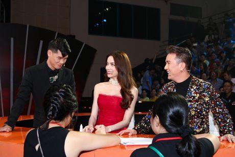 """Mr Dam, Ha Ho dep long lay lan at thi sinh tren ghe nong """"Buoc nhay ngan can"""" - Anh 11"""