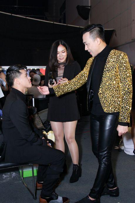 """Mr Dam, Ha Ho dep long lay lan at thi sinh tren ghe nong """"Buoc nhay ngan can"""" - Anh 7"""