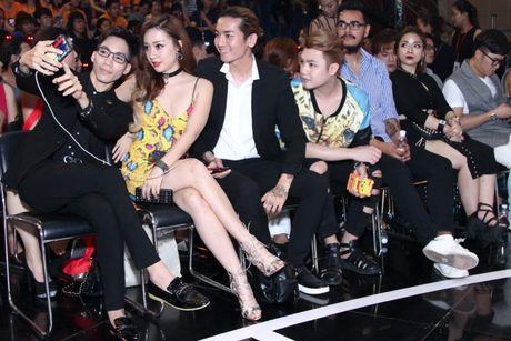 """Mr Dam, Ha Ho dep long lay lan at thi sinh tren ghe nong """"Buoc nhay ngan can"""" - Anh 9"""