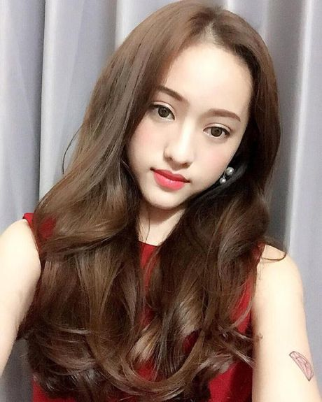 Thuy Vi lai bi cu dan mang 'boc me' vi viet tieng Anh sai - Anh 7