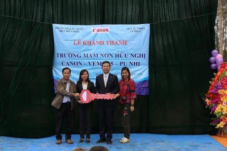 Canon mo rong chuoi truong hoc huu nghi tai Dien Bien - Anh 2