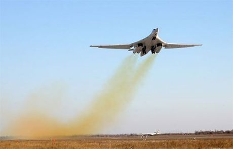 Nga bat dau khoi phuc san xuat 'Thien nga trang' Tu-160 - Anh 2