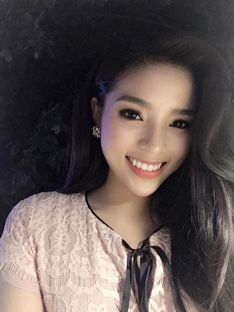 Hoa hau Ky Duyen co don tuoi moi voi… chiec cam ngay cang nhon? - Anh 15
