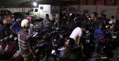 Binh Duong: Xu ly hon 50 'quai xe' tu tap lang lach, dua xe - Anh 1