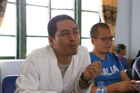 MC Phan Anh tro lai vung lu, du kien xay be boi cho hoc sinh - Anh 2