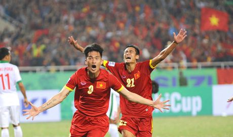Tuyen Viet Nam tung chieu, 'gat' Cong Vinh khoi AFF Cup - Anh 1