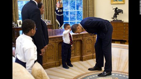 Lieu Trump co cac buc anh dang yeu nay nhu Obama? - Anh 3