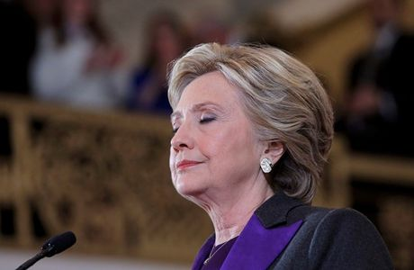 Hau bau cu Tong thong My: Khoc cho ba Clinton hay cho TPP? - Anh 1