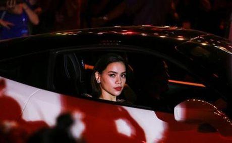 Ha Ho muon sieu xe cua Cuong Do la: Chuyen binh thuong o huyen - Anh 2