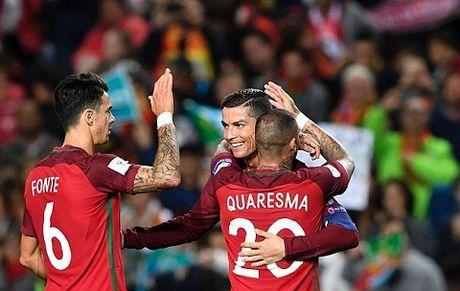 Ronaldo lap cu dup, nhung mot lan nua lai da hong 11m - Anh 3