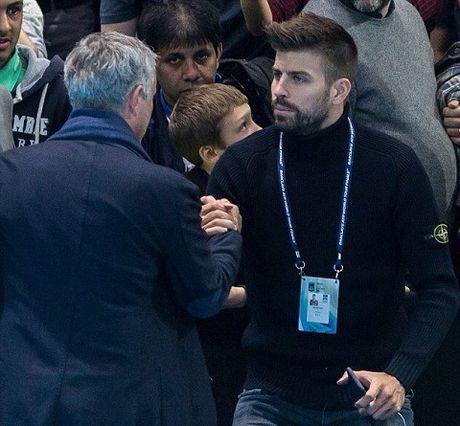 Jose Mourinho phai chang da lam hoa voi Pique? - Anh 1