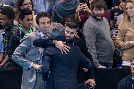 Jose Mourinho phai chang da lam hoa voi Pique? - Anh 2