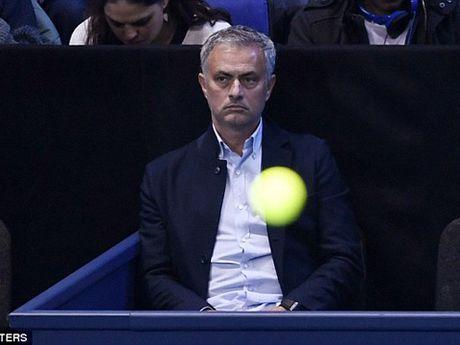 Tennis ngay 14/11: Djokovic phan phao khi bi chi trich. 'Trai hu' Kyrgios duoc vinh danh - Anh 4