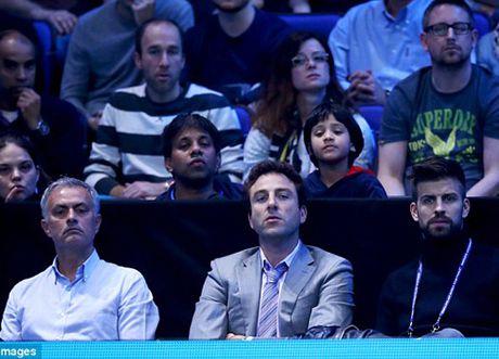 Tennis ngay 14/11: Djokovic phan phao khi bi chi trich. 'Trai hu' Kyrgios duoc vinh danh - Anh 5