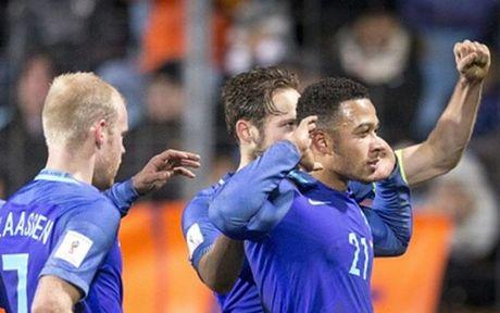 Chum anh: Sao MU 'ruc sang' giup Ha Lan ha guc Luxembourg - Anh 10