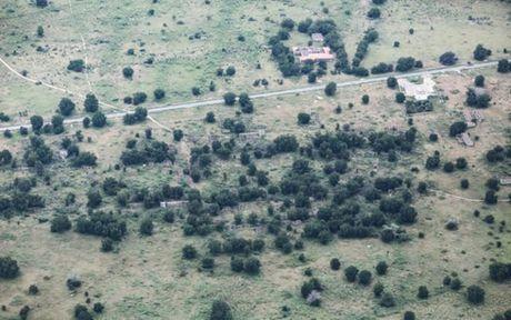 Anh Boko Haram bat coc nu sinh va de tre em truoc nguy co chet doi - Anh 6