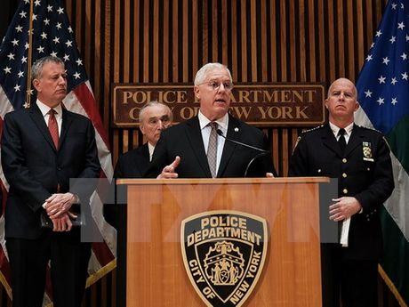 My tang cuong an ninh tai New York trong ngay Le Ta on - Anh 1