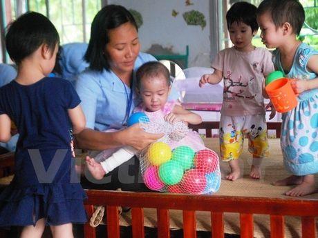 Phat trien nghe cong tac xa hoi: Muon chuyen nghiep phai co luat rieng - Anh 1