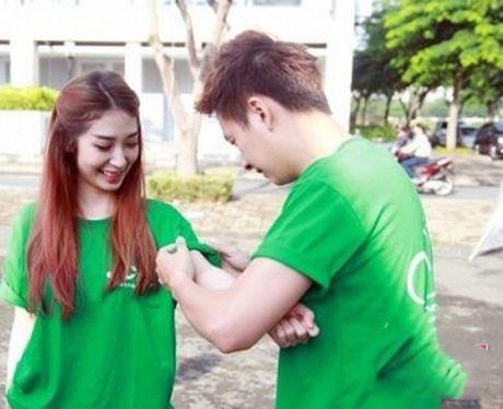 Tran Thanh phai chao thua Ngo Kien Huy do 'si me' ban gai - Anh 21