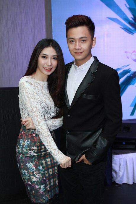 Tran Thanh phai chao thua Ngo Kien Huy do 'si me' ban gai - Anh 23