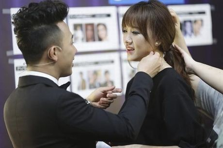 Tran Thanh phai chao thua Ngo Kien Huy do 'si me' ban gai - Anh 4