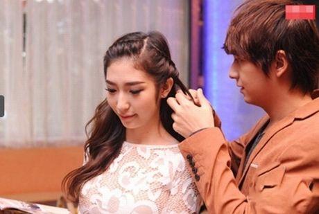 Tran Thanh phai chao thua Ngo Kien Huy do 'si me' ban gai - Anh 6