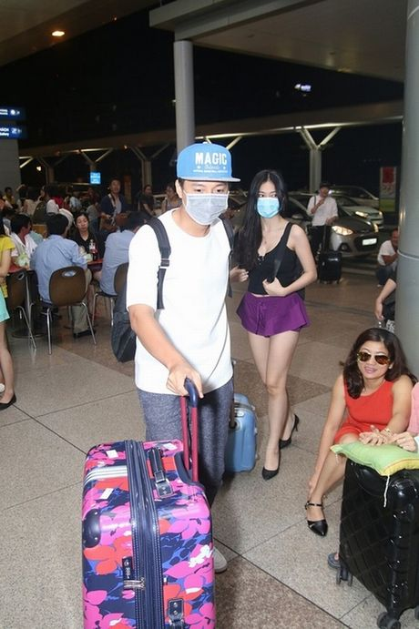 Tran Thanh phai chao thua Ngo Kien Huy do 'si me' ban gai - Anh 9