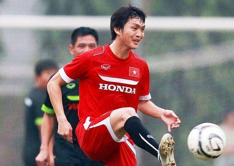 'Tuan Anh giong nhu Mesut Ozil cua Arsenal' - Anh 1