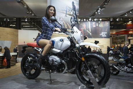 Ngam chan dai boc lua ben moto 'khung' tai EIMCA 2016 - Anh 8