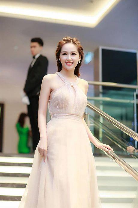 Loat vay giup Mai Phuong Thuy khoe duong cong nu than - Anh 13