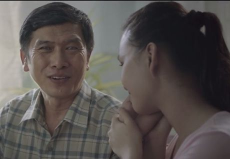 Rot nuoc mat voi clip ve tinh cha con 'Ba la nhat' - Anh 1