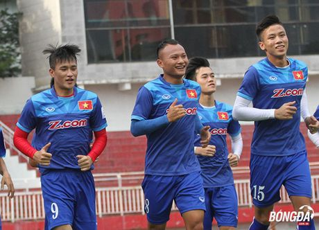 Tuyen thu Quoc gia 'ky nhay' voi FLC Thanh Hoa truoc them AFF Cup - Anh 1