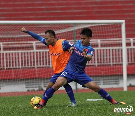 Tuyen thu Quoc gia 'ky nhay' voi FLC Thanh Hoa truoc them AFF Cup - Anh 2